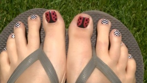 #LadyinRedjn, Lady in Red, #BlackandWhiteChevronjn, Black and White Chevron, #nailwrap, nail wrap, #nailwraps, nail wraps, #wrap, wrap, #pedicure, pedicure, #jamicure, jamicure